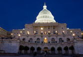 The United States Capitol at night — Stock Photo