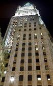 Geceleyin bina woolworth. Manhattan — Stok fotoğraf