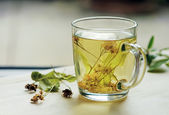 Tea with lime — Stock Photo