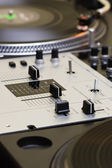 Mixing controller and turntables — Stock Photo
