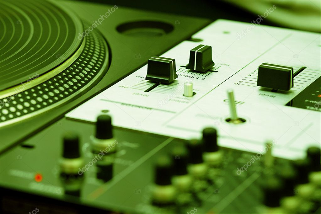 Top audio equipment of a hip-hop scratch  — Stock Photo #4325077