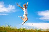 Mädchen springen — Stockfoto