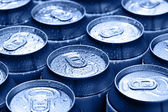 Drinking cans with dew — Stockfoto