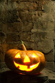 Halloween pumpkin in night — Stock Photo