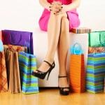 femme avec des sacs à provisions — Photo #5181039