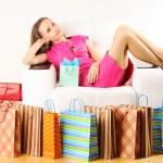 kadın ile alışveriş torbaları — Stok fotoğraf #5257963