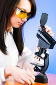 Woman scientist working in the lab — Stock Photo