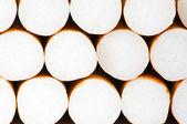 白い背景で隔離のタバコの喫煙 — ストック写真