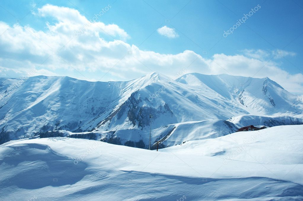 Mountains under the snow on a winter day — Stock Photo #4359836