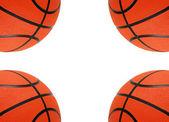 Beyaz arka plan üzerinde izole turuncu basket topları — Stok fotoğraf