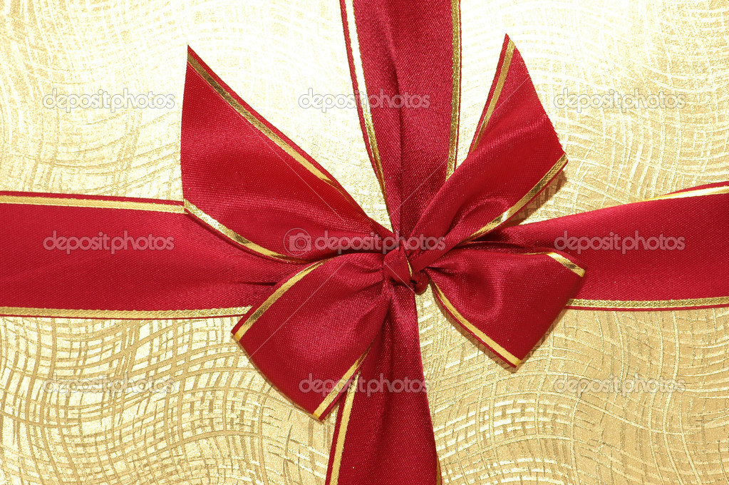 The ribbon and bow of the giftbox — Stock Photo #4362776