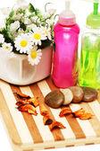 Kamienie, płatki i balsamy do sesji aromaterapii — Zdjęcie stockowe