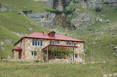 Two storey mansion in mountains - Suvar, Azerbaijan — Stock Photo