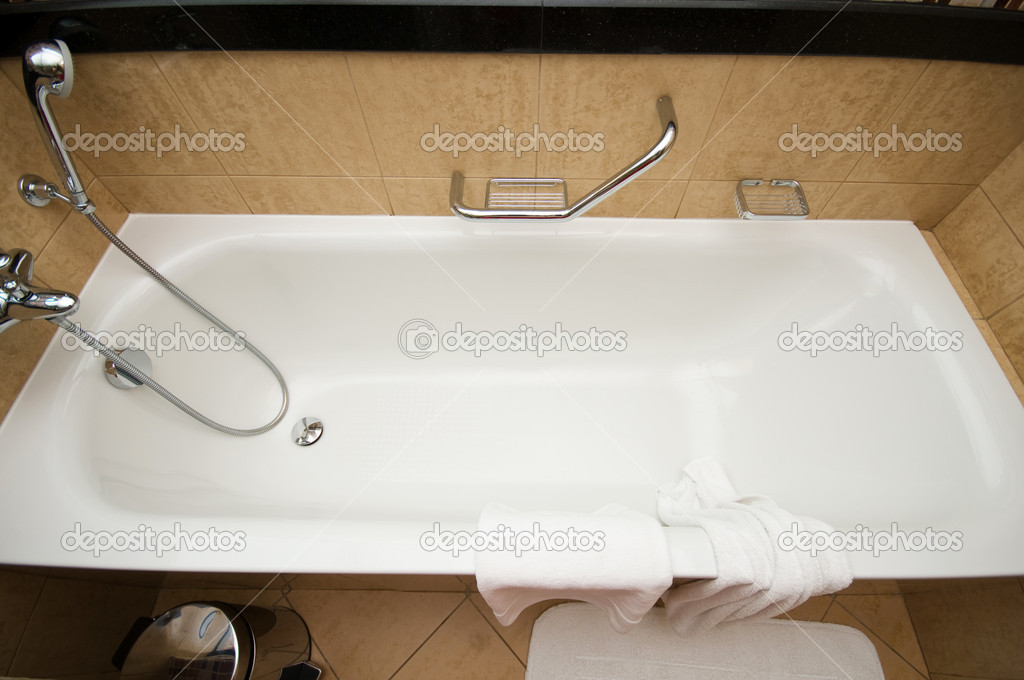 Bath tub and shower in the bathroom  — Stock Photo #4449578