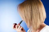 девушка курительная трубка градиента фоне — Стоковое фото