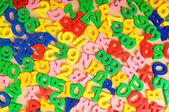 Crianças letras e dígitos na tabela — Fotografia Stock