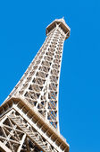 Eiffel tower on the bright summer day — Stockfoto