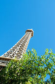 Eiffel tower on the bright summer day — Stock Photo