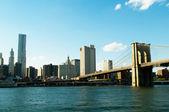Brooklyn bridge in New York on bright summer day — Stock Photo