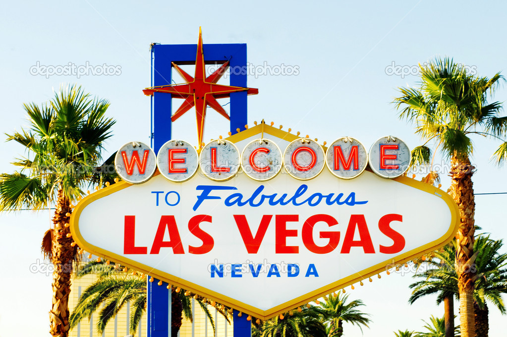 Famous Las Vegas sign on bright sunny day — Stock Photo #4639806