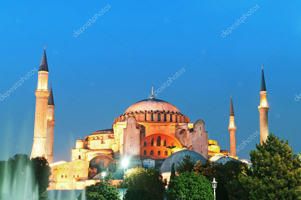 Famous Blue Mosque in Istanbul — Stock Photo #5089872