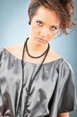 Moda uroda koncepcja z atrakcyjną kobietę — Zdjęcie stockowe