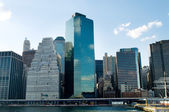 New york city - 4 sep - panorama met wolkenkrabbers — Stockfoto