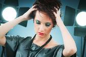 Conceito de beleza de moda com menina no studio — Foto Stock