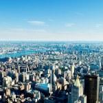 new york city panorama mit hohen wolkenkratzern — Stockfoto #5132828