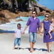 Family with two kids on vacation — ストック写真