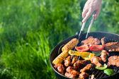 Grillen in zomer weekend — Stockfoto