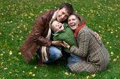 šťastná rodina ze tří — Stock fotografie