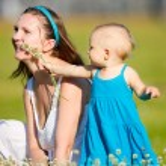 Family fun outdoors — Stock Photo #4730328