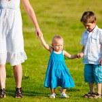 Family fun outdoors — Stock Photo #4730332