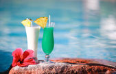 Two tropical cocktails — Stock Photo