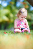 Toddler girl at summer — Stok fotoğraf