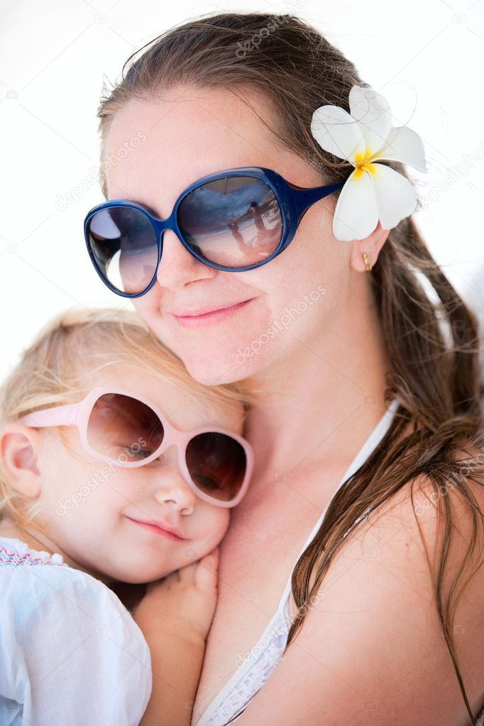 Portrait of loving mother and her adorable little daughter — Stock Photo #5215644