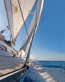 Sailing boat in the sea — Stock Photo