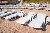 Lounges on the beach in Cesme — Stock Photo