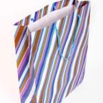 sac en papier vide rayé — Photo