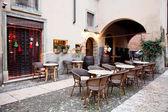 Street restaurant in Verona, Italy — Stock Photo