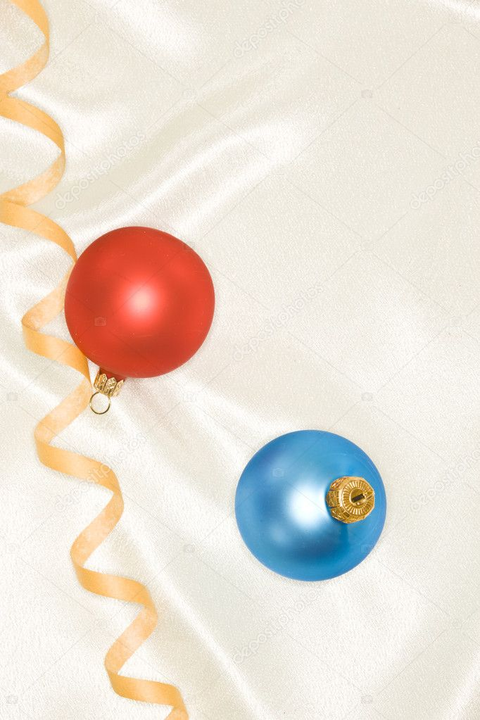 Holiday series: Christmas blue and red ball decoration and streamer — Foto de Stock   #4345124