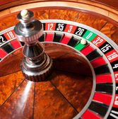 Roulette with ball on zero — Stock Photo
