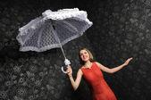 Femme avec parapluie — Photo