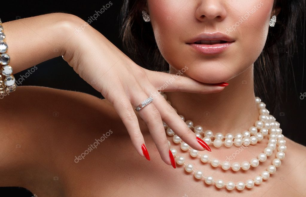 Beautiful woman over dark — Stock Photo #5028610