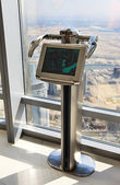 Digital telescope on the lookout Burj Khalifa. — Foto de Stock