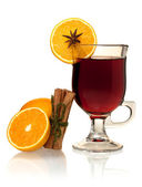 Hot mulled wine with oranges and cinnamon — Stock Photo