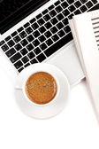 Cappuccino cup on laptop. Above view — Stock Photo