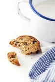 Melk en koekjes — Stockfoto