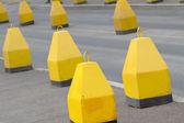 Route asphaltée obstruer bloc — Photo